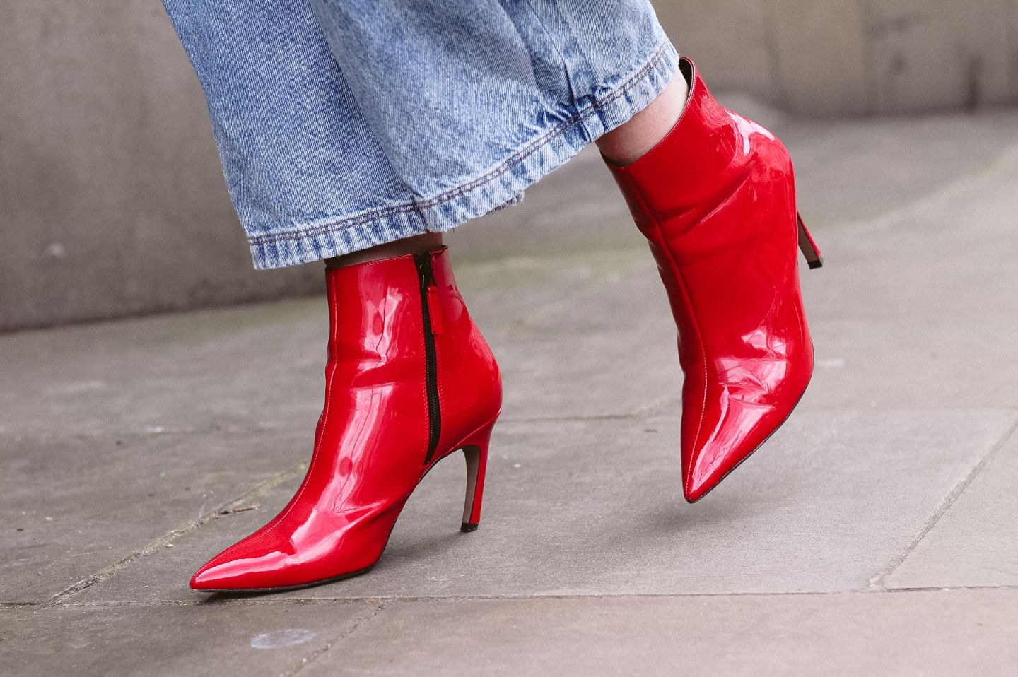london fashion week street style trends red latex boots