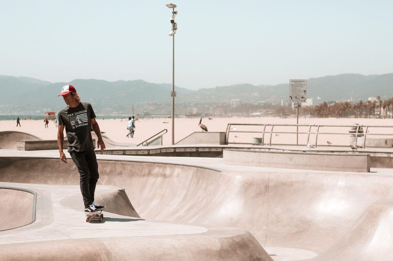 venice-beach-skateboarding